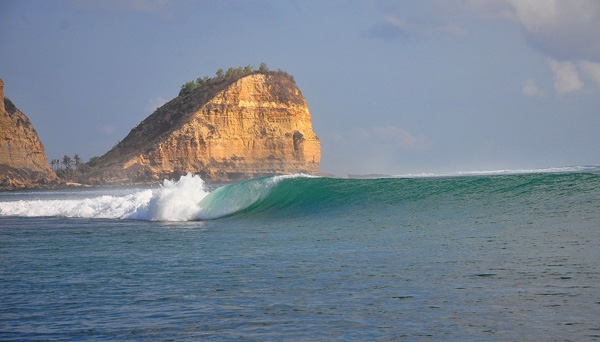 Enjoy the Sensation of 5 Beautiful Beaches in Mandalika