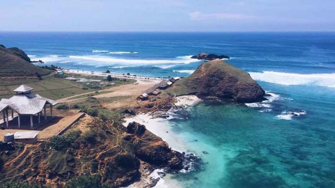 5 Beautiful Beaches in Mandalika