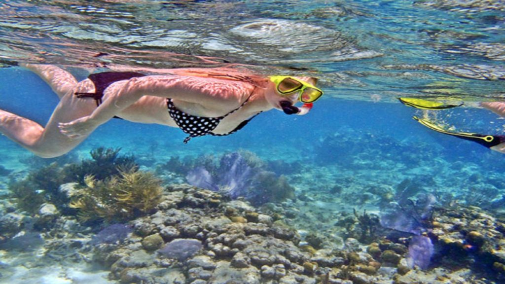 rental snorkeling equipment at Nusa Penida