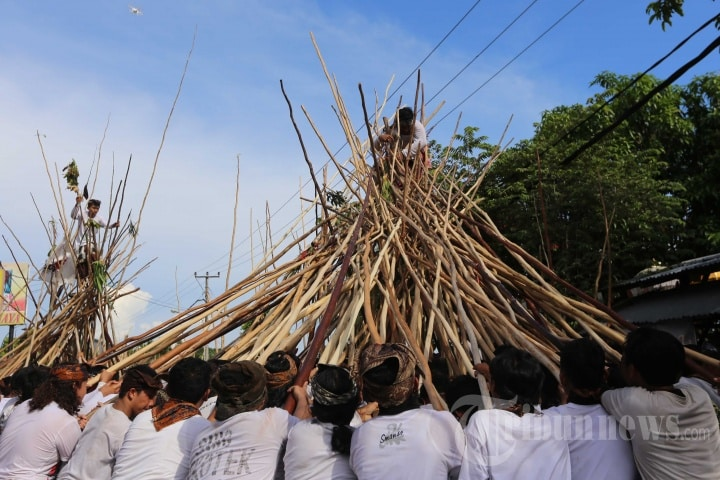 Mekotek Ritual, A Tradition for Disaster Rejection