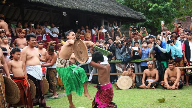 The Tradition of the Pandanus War | The Great Makere-Kere, Bali