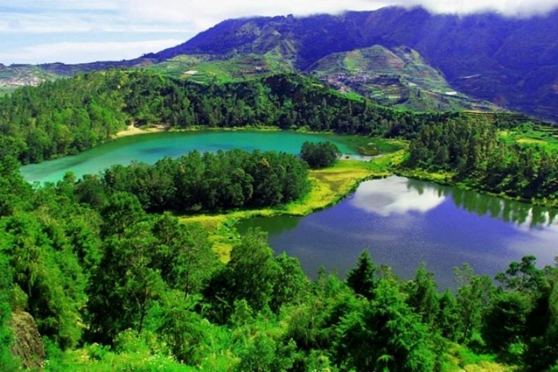 the Dieng Lakes