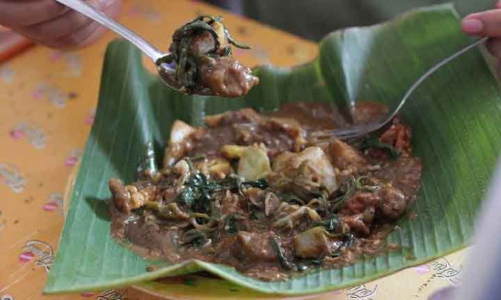 Rujak Cingur Surabaya, Traditional Salad From East Java