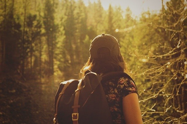 7 Tips For Women Traveling Alone Safely