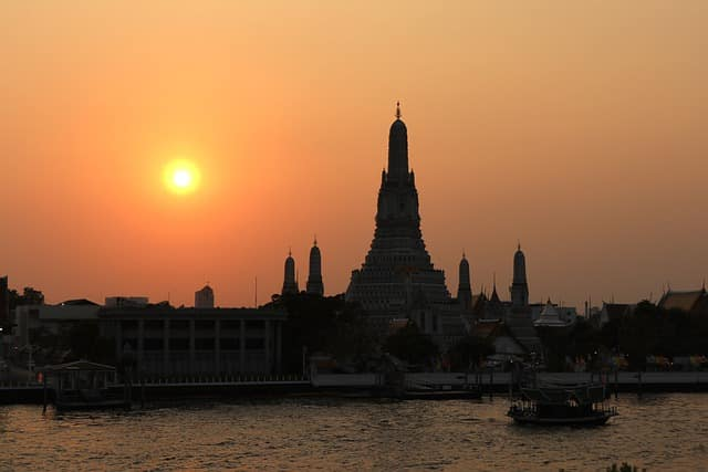 Wat Arun, The Temple of the Dawn | Thailand Tourism