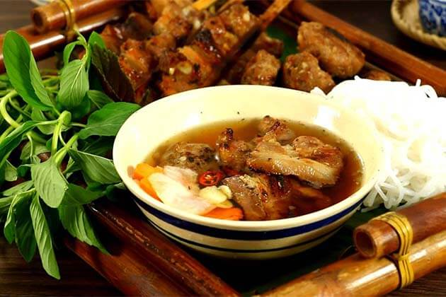 10 Traditional Vietnamese Dishes You Must Try In Vietnam