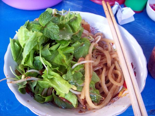 10-foods-you-must-try-in-vietnam