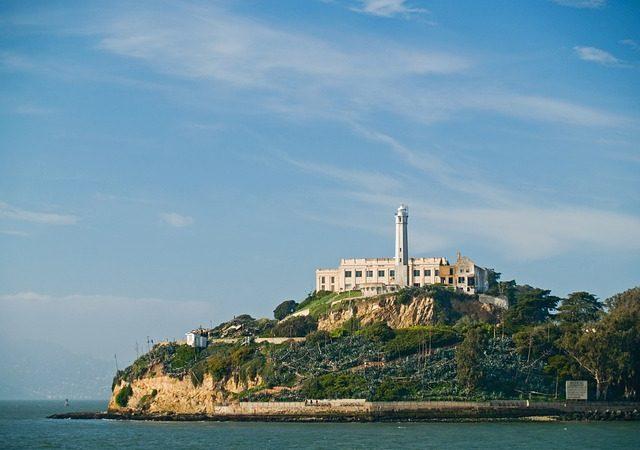 Alcatraz Island, San Francisco, Operating Hours & Seasons